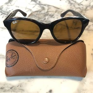 Ray-Ban Brown Sunglasses